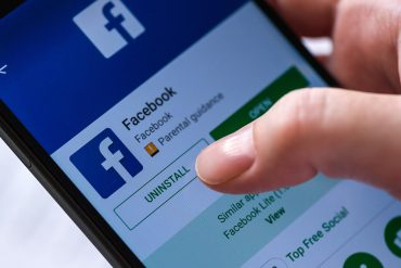 Uninstall Facebook app for Android smartphones from Google Play Store