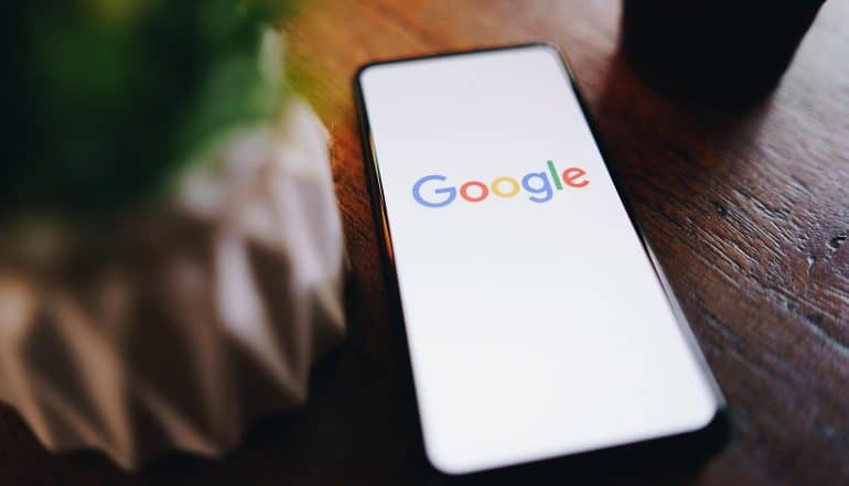 Google search screen on mobile showing new privacy tools in Google and Brave browsers which could reduce online tracking