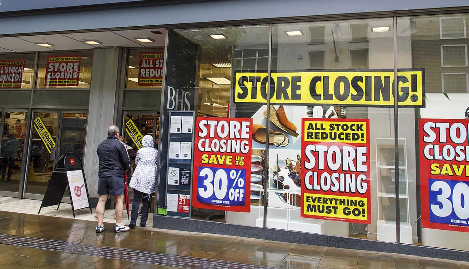 Shop front of store closing down showing majority of small businesses not taking cyber attacks seriously as shown in recent SMB study