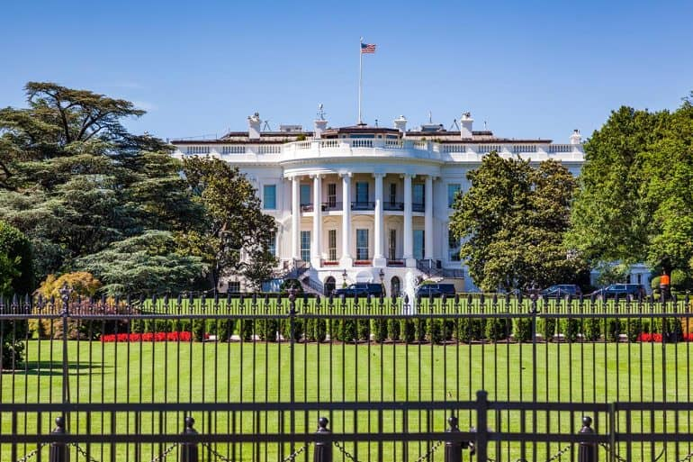 Picture of the white house showing the White House's exposure to cyber attacks with the exodus of cyber security team