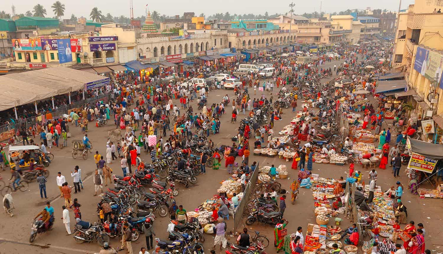 View of the crowded street market in India showing privacy and surveillance concerns of facial recognition system