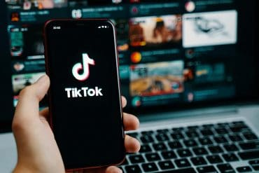 TikTok application icon on mobile showing the new FTC complaint against TikTok on child privacy