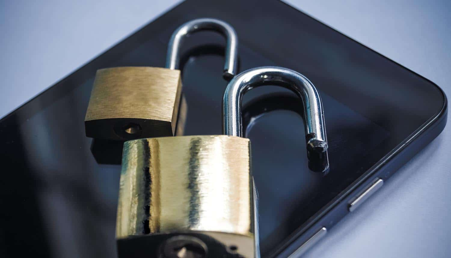 Locks on mobile phone showing phone extraction by law enforcement